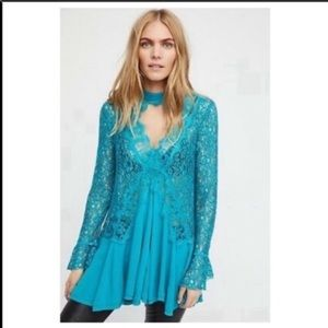 Free people tell tale lace tunic ocean blue size M